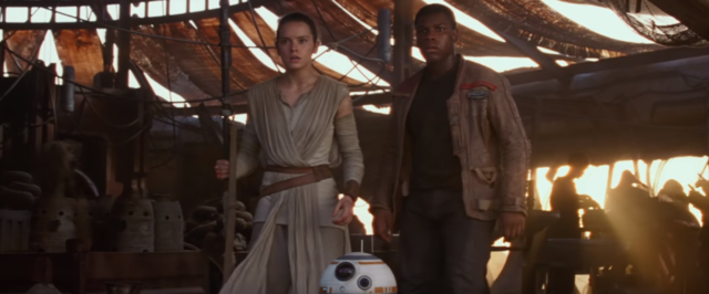 04-Finn_and_Rey_Jakku_Escape