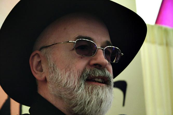 Terry-Pratchett-Stefan-Servos