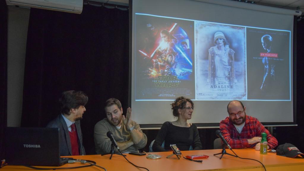 voditelj, panel, i kandidati za najbolji SF film